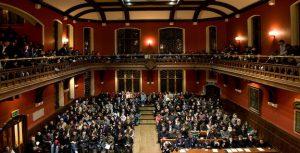 Νικήτρια στο debate της Οξφόρδης για την ΕΕ και τη Δημοκρατία