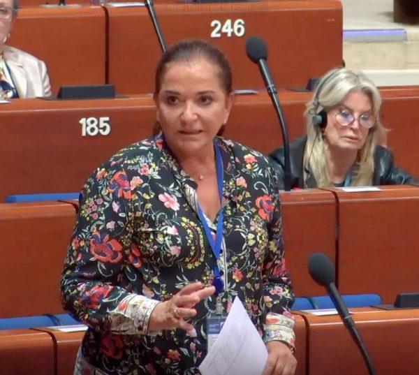 Ομιλία της Ντόρας Μπακογιάννη, εκ μέρους του EPP, για το μεταναστευτικό στο Council of Europe
